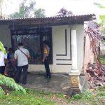Hujan Deras, Rumah Warga Blitar Roboh Diterjang Angin Kencang