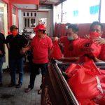 Salurkan 4.000 Paket Sembako, PDI Perjuangan Jombang Selipkan Informasi Covid-19