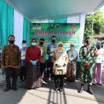 Bupati Jombang Ingatkan New Normal saat Serahkan 1.000 sertifikat Program PTSL di Sumbermulyo