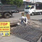 Reaksi Cepat Tanggap, Dinas PUPR Jombang Perbaiki Duiker Jebol di Jalan Blimbing