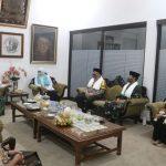 Disambut Bupati Mundjidah, Gubernur Jatim Kunjungi 2 Pesantren Tangguh di Jombang