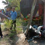 Tabrakan Karambol di Ngawi, Satu Truk Terguling Satu Pemotor Tewas
