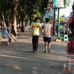 Alun-Alun Jember Mulai Ramai, Warga Berdalih Olahraga Sore Untuk Jaga Imun