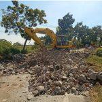 Gorong-gorong Dibongkar, JLU Kota Probolinggo Ditutup Total