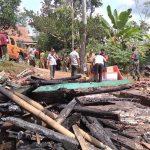 Diduga Jaringan Listrik PLN Bermasalah, Rumah di Jember Terbakar Habis