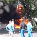 Angkut 500 Liter BBM, Mobil Daihatsu Expass Terbakar di Tulungagung