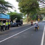 Rem Blong di Prigen Pasuruan, Toyota Kijang Seruduk Motor, Dua Tewas