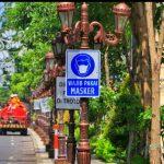 Tangkal Corona, Dishub Kota Surabaya Pasang Rambu Gunakan Masker