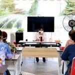 Ini Alasan Walikota Surabaya Risma Sujud di Depan IDI