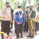 Hadir di Desa Lobuk, Bupati Sumenep Menggelorakan Semangat Kampung Tangguh Covid-19