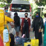 Tiba di Situbondo, 5 PMI yang Dideportasi dari Malaysia Langsung Dikarantina