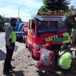 Ditabrak 2 Truk di Situbondo, Ibu dan Anak Hanya Luka Ringan
