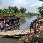 "Sungai Penuh Sampah di Sidoarjo ""Disulap"" Warga Jadi Wisata Air"