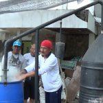 Warga di Situbondo Klaim Pasien Covid-19 Bisa Sembuh dengan Asap Cair Batok Kelapa