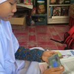 Belajar Sistem Daring, Wali Murid di Surabaya Mengeluh