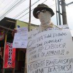Covid-19, Kecewa Tak Terima Bansos, Seorang Warga Jombang Demo di Balai Desa