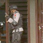Polda Jatim Diduga Salah Gerebek, Puluhan Juta dan Perhiasan Pemilik Rumah Raib