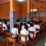 Hari Pertama, Siswa SMK di Jombang Masuk Kelas 2 Jam