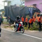 Video:  Truk Menyelonong Tabrak Rumah di Jember