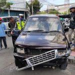 Penjual Masker Pinggir Jalan dan Rekannya Tewas Tertabrak Panther