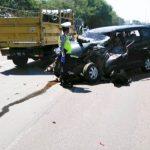 Kecelakaan di Tol Sidoarjo, Xenia Ringsek Depan Belakang