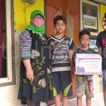 Kunjungi Pasar dan SDN di Lumajang, Anggota DPRD Jatim Beri Masker