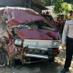 Tiga Kendaraan Kecelakaan di Nganjuk, Mobil Carry Ringsek Parah
