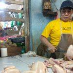 Stok Berkurang, Harga Daging Ayam di Jember Melonjak Hampir Dua Kali Lipat