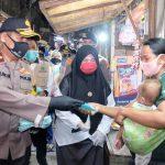 Penerapan Protokol Kesehatan, Polda Jatim dan Forkopimda Sidoarjo Bagi 100 Ribu Masker