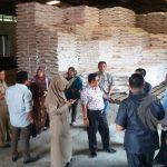 Dinas TPHP Situbondo Ancam Beri Sanksi Distributor yang Jual Pupuk Paketan