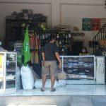 Imbas Covid-19, Penjualan Seragam Sekolah di  Situbondo  Anjlok Hingga 75 Persen