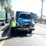 Kecelakaan di Sidoarjo, Truk Ringsek Sopir Dibawa ke Rumah Sakit