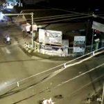 Viral Video Kecelakaan di Tulungagung, Kedua Kendaraan Saling Terobos Traffic Light