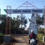 Pandemi Covid-19, Wisata Pantai dan Makam Ikan Paus di Probolinggo Tampak Tak Terawat