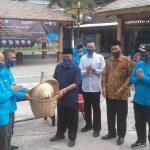 Adaptasi Kebiasaan Baru, Kemenparekraf Bersih-bersih Area Makam Sunan Drajad Lamongan
