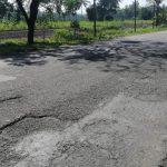Pelek Motor Polisi Penyok Akibat Jalan Berlubang, Jalur Jember-Lumajang Rawan Kecelakaan