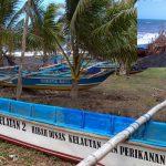 Gelombang Pasang,  Sebulan Terakhir Nelayan Tempursari Lumajang Tidak Melaut