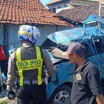 Mobil Kijang Tertabrak Kereta Api di Sidoarjo, Tiga Orang Tewas