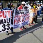 Ribuan Pekerja RHU di Surabaya Demo, Tuntut Risma Cabut Perwali 33