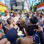 Demo Dugaan Kasus Masker Covid-19 di Kejari Kabupaten Pasuruan Berujung Ricuh