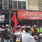 4 Bulan Dirumahkan Tanpa Upah, Karyawan Demo WOM Finance Mojokerto