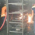 Diduga Lupa Cabut Alat Las Listrik, Toko Bangunan di Lamongan Ludes Terbakar