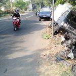 Melawan Arus, Lansia di Jombang Tewas Tertabrak Mobil Boks