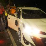 Mobil Yaris Mendadak Oleng dan Terguling, Diduga Sopir Habis 'Minum'