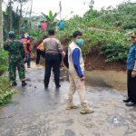 Longsor Sepanjang 15 Meter di Tulungagung, Material Tutup Jalan Lintas Desa