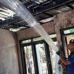 Sebuah Rumah dan 2 Unit Motor Terbakar di Situbondo