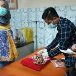 Warga Pamekasan Temukan Bayi dalam Kardus di Jalan Area Tambak