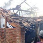 Bara Obat Nyamuk Merembet ke Kasur, Rumah di Tulungagung Terbakar