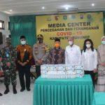 Salurkan Bantuan Ratusan Juta untuk Penanganan Covid-19 di Sumenep, Ini Pesan Ketua Banggar DPR RI