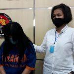 Jual Pemandu Lagu ke Pria Hidung Belang, Pelayan Rumah Karaoke Surabaya Ditangkap Polisi